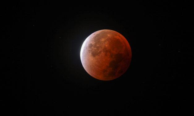 Une opposition à l'éclipse de Lune ?